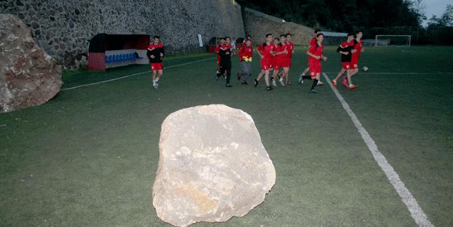 Trabzon'da sahaya kaya düştü