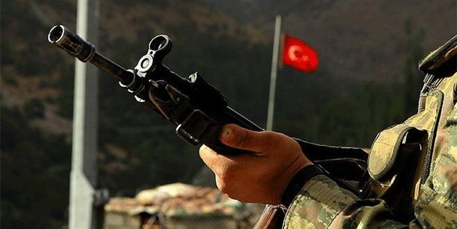 Silahı kazayla ateş alan asker, hayatını kaybetti