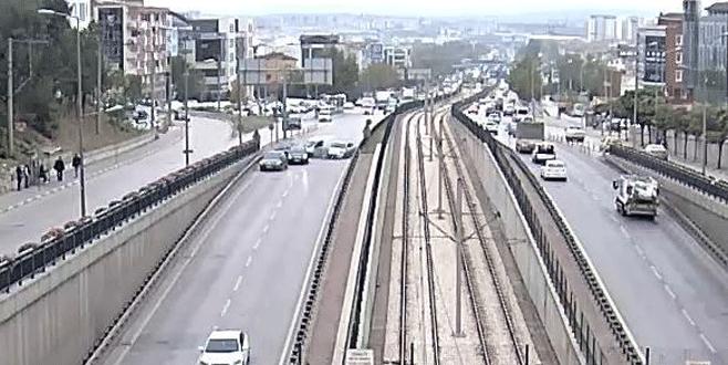 Bursa'daki zincirleme kaza kameraya böyle yansıdı