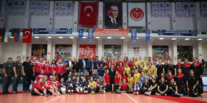Cengiz Göllü Kadınlar Voleybol Turnuvası'nda şampiyon Olympiakos