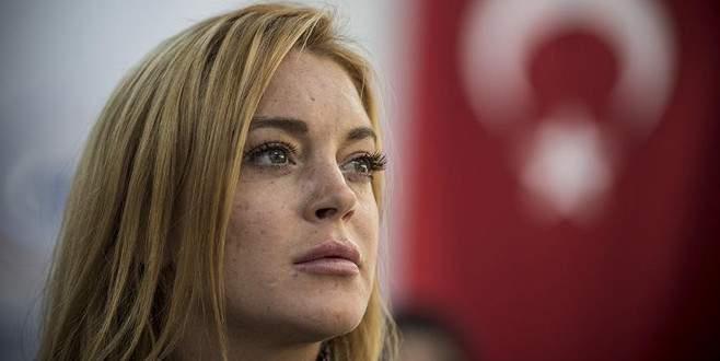 Lindsay Lohan'dan 'teröre lanet' mesajı