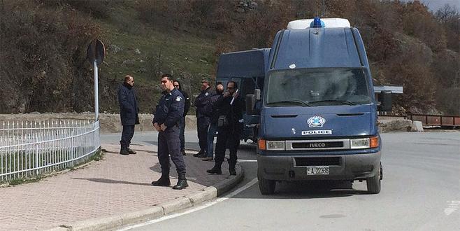 Yunanistan'da yakalanan kaçak iki Türk tutuklandı