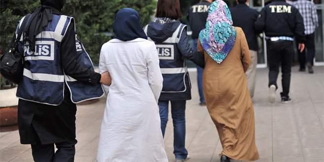 Bursa'da sağlıkçı ve öğretmen 17 kadın adliyede