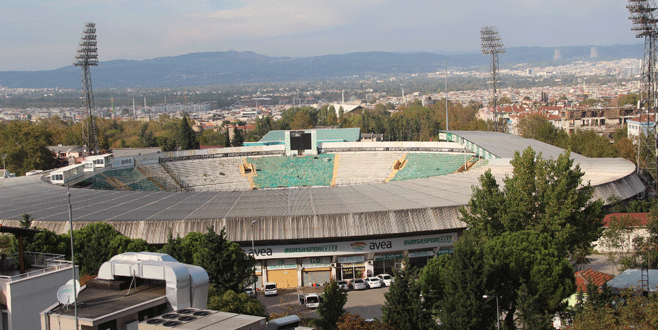 Sıra Atatürk Stadı'nın yıkımında