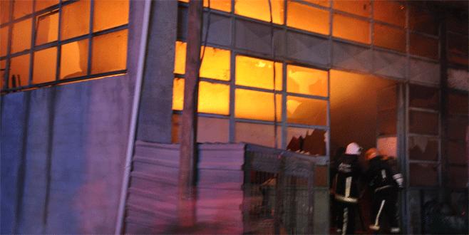 İnegöl'de alevli gece