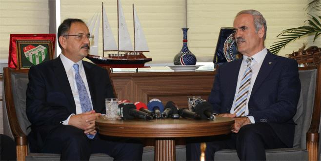 Bakan'dan Bursa'nın dönüşümüne destek