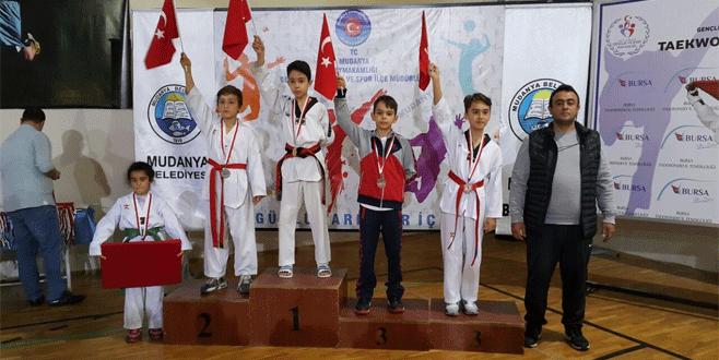 Osmangazi Belediyesporlu minik tekvandoculardan 4 madalya