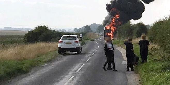 Süt tankeri otobüse çarptı: 20 ölü