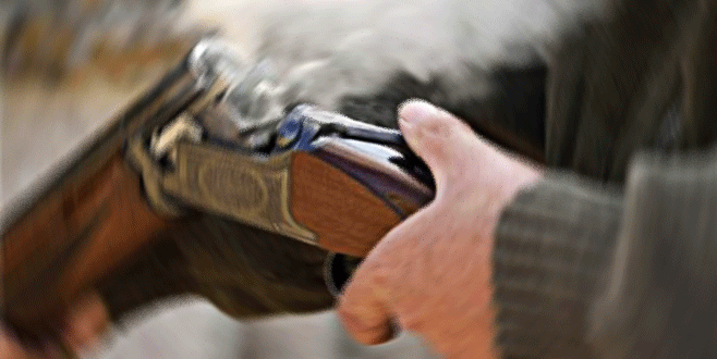 Av tüfeğiyle kendini vurdu