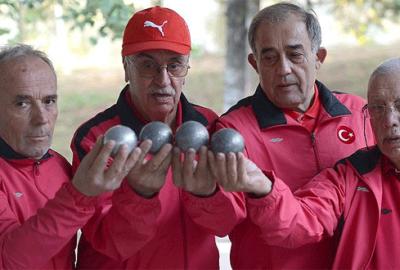Yaşlılar için 'Oturarak Voleybol Ligi' geliyor