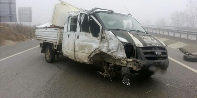 Bursa'da işçileri taşıyan araç kaza yaptı: 9 yaralı