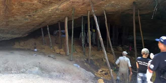 Dini tören sırasında mağara çöktü: 10 ölü