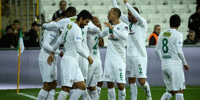 Bursaspor ikinci yarıda coşuyor