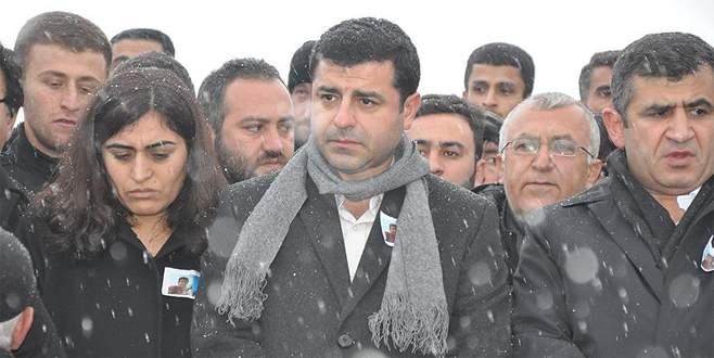 Selahattin Demirtaş Diyarbakır'daki evinde gözaltına alındı