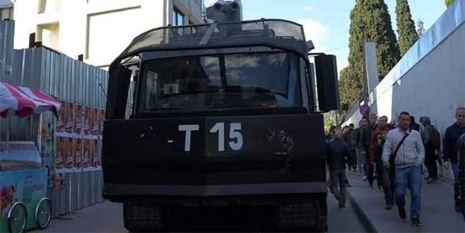 Tutuklanan gazeteciler cezaevinde