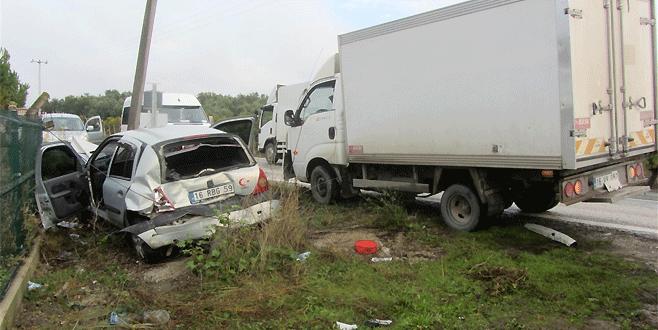 Bursa'daki kazada iki genç ölümden döndü