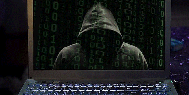 Hacker'lar 20 bin müşteriden para sızdırdı!