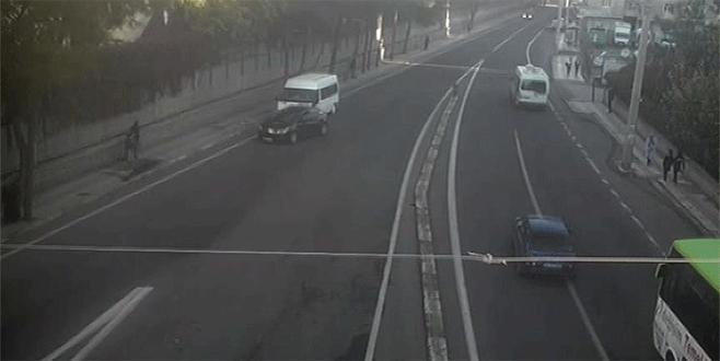 Hain saldırıda kullanılan minibüs kameraya yansıdı