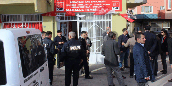 CHP mahalle temsilciliğine saldırı