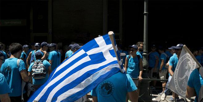 Yunanistan'da gençlerin yarıya yakını işsiz