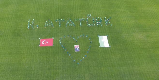Atatürk'e saygı ve özlem