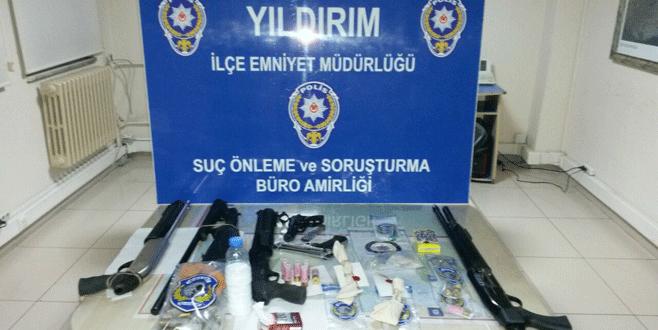Bursa polisinden huzur operasyonu: 14 gözaltı
