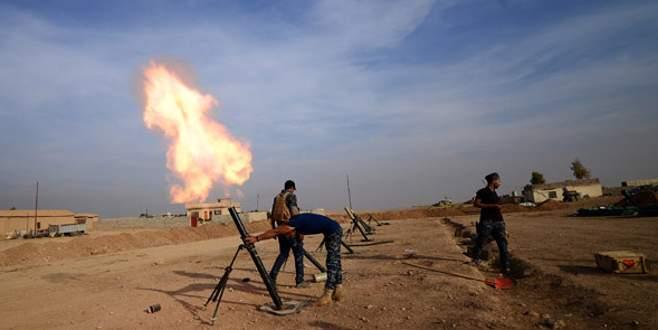 IŞİD 40 sivili elektrik direklerine astı!