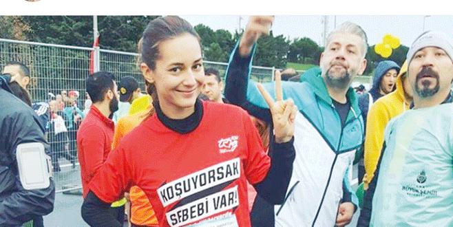 Ünlüler Türkiye aşkına koştu