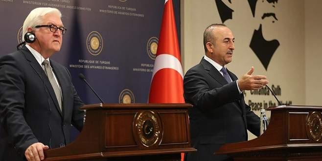 Çavuşoğlu: 'Sen kimsin de Türkiye'yi atıyorsun'