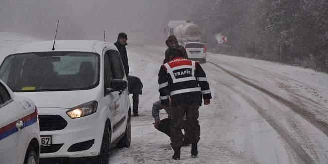 Aniden bastıran kar nedeniyle zor anlar yaşadılar