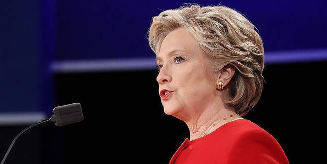 Clinton yenilginin ardından ilk kez halkın karşısında
