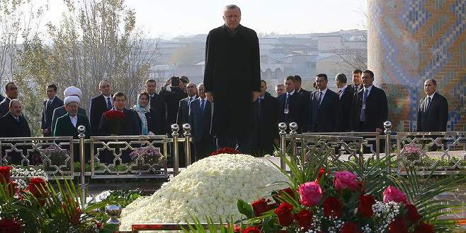 Erdoğan Kerimov'un kabrini ziyaret etti