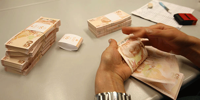 Bursa'da 100 bin TL'sini son anda kurtardı