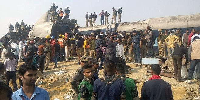 Hindistan'daki tren kazasında ölü sayısı arttı