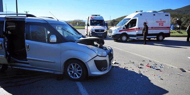 Cenazeye giden 4 imam trafik kazasında yaralandı