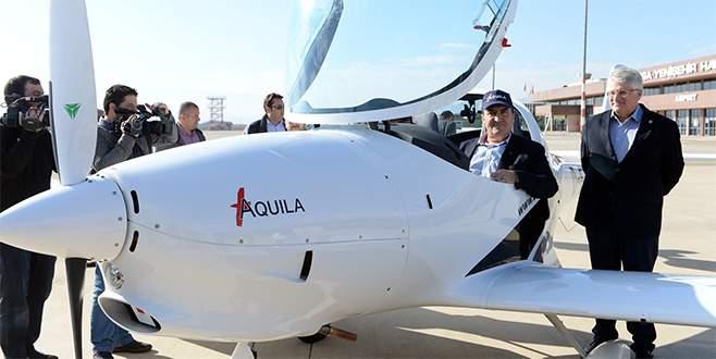 'Yerli uçağımızı üretiyor olmak gurur verici'