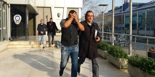 Bursa'da sahte müsteşar yakayı ele verdi