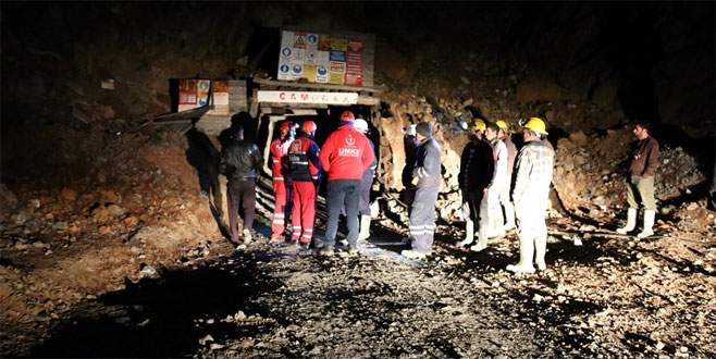 Madendeki göçükten 24 saatte kurtarıldı