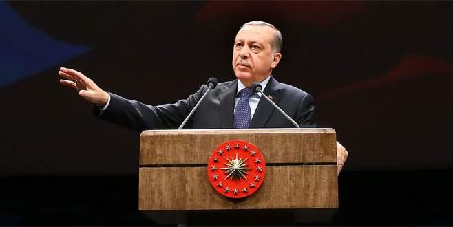 Erdoğan: 'Bunlar darbecileri kırmızı halılarda karşılayanlardır'