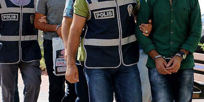 DBP'li Bitlis ve Güroymak belediye başkanları tutuklandı