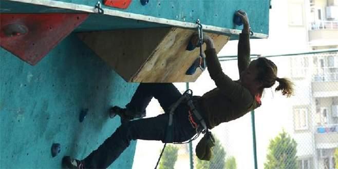 Nilüfer'de nefes kesen tırmanış yarışları başladı