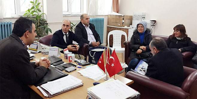 AK Parti'den kitap desteği