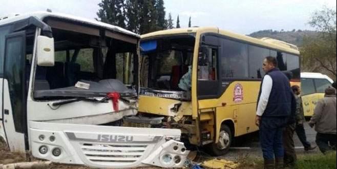 İki öğrenci servisi çarpıştı: 8 yaralı