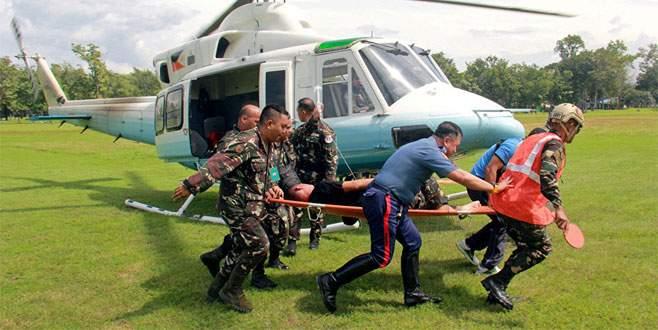 Duterte'nin konvoyuna bombalı saldırı: 9 yaralı