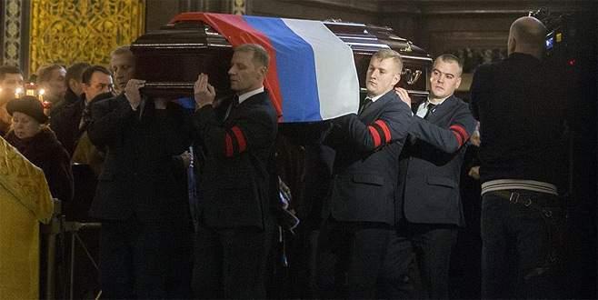 Rus Büyükelçi Karlov'un cenazesi defnedildi