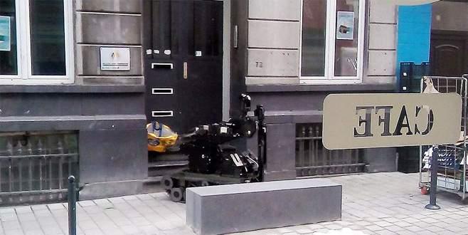 Belçika Türk Federasyonu binası önüne bombalı paket!