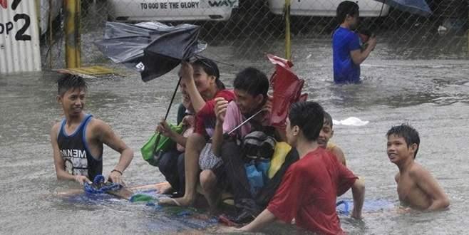 Filipinler'i kasırga vurdu