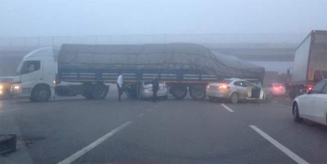 Bursa'da zincirleme trafik kazası: 12 araç birbirine girdi