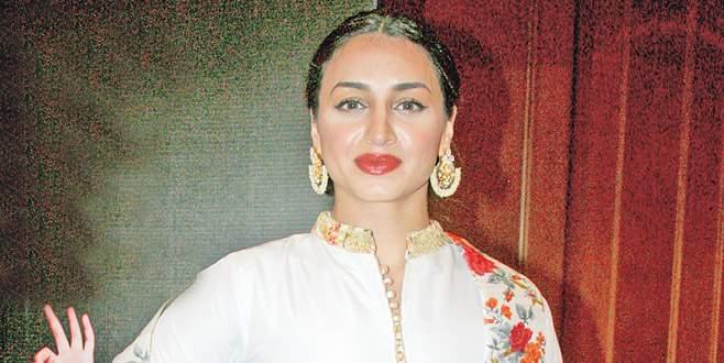 Bollywood'un Türk güzeli