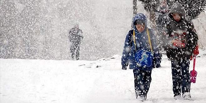 Bursa'da iki ilçede daha eğitime kar engeli